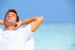 détente sur la plage au soleil