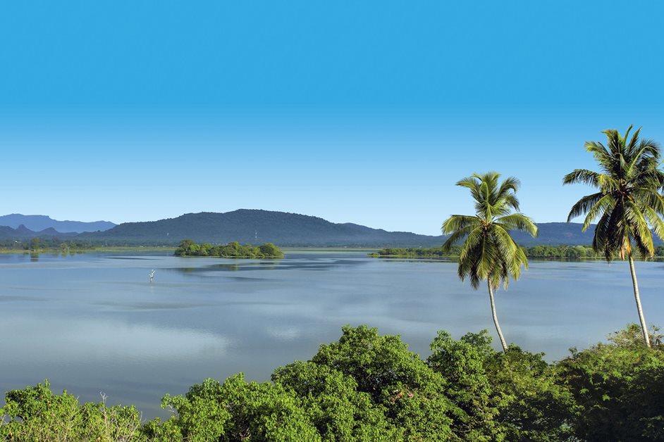enrichissez-vous voyager au Sri Lanka 7 bonnes raisons - paysage lac
