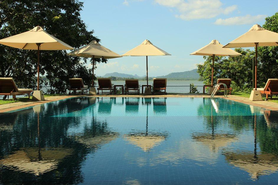 enrichissez-vous voyager au Sri Lanka 7 bonnes raisons - piscine