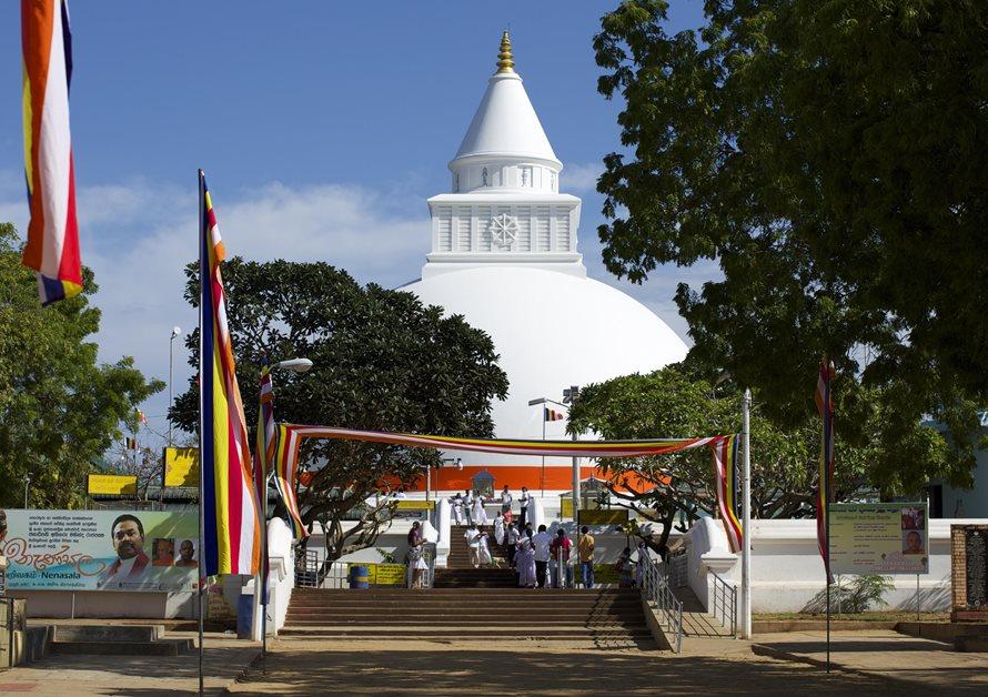 enrichissez-vous voyager au Sri Lanka 7 bonnes raisons - temples