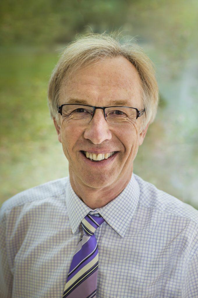 Portrait du Dr Matejke, médecin-chef de la clinique Malteser Klinik de Weckbecker.